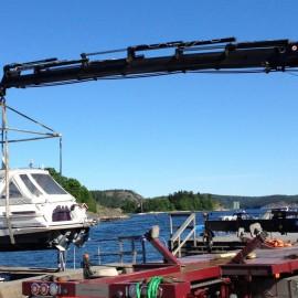 Planerad sjösättning med mobilkran 2 maj